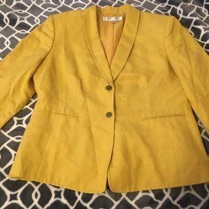 Jackets & Blazers - Tahari blazer
